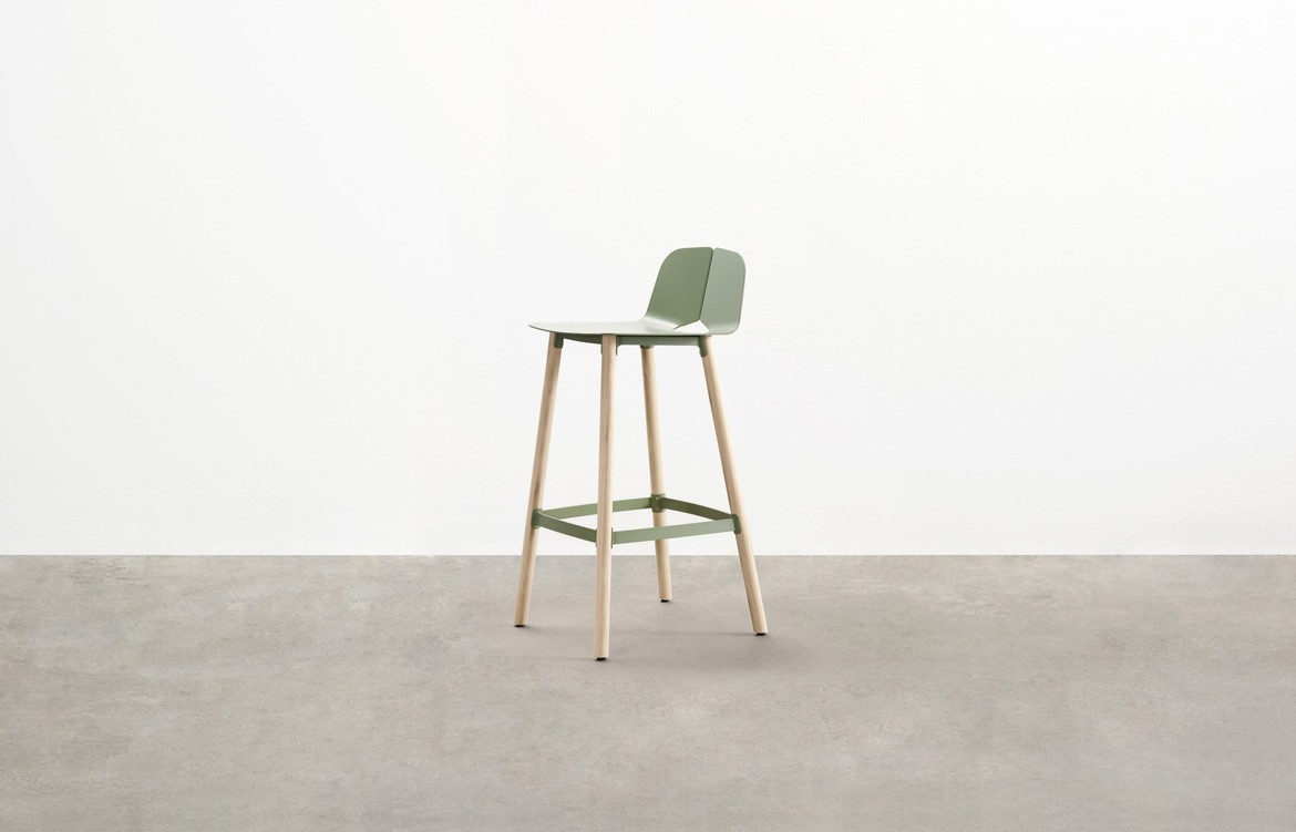 Seam Bar Stool 2