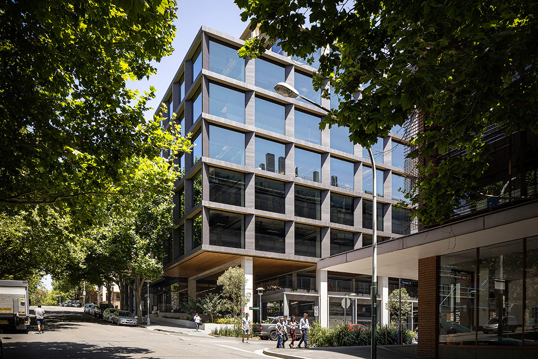Publicis Groupe engaged Bates Smart to integrate its collective workplace into the new 'Workshop' building in Pyrmont.