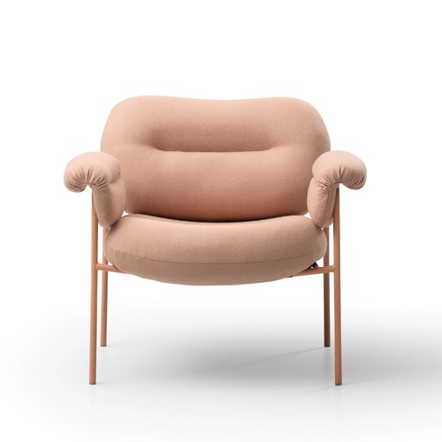 Fogia's Bollo armchair is being reinterpreted in a dining chair – Spisolini dining chair designed by Andreas Engesvik.