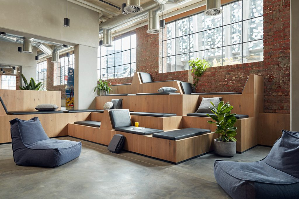 move-in outfitting seating commercial