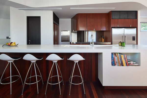 Residential Staron Design Award winning design 2016 by:  iredale pedersen hook architects. Photography by: Peter Bennetts.