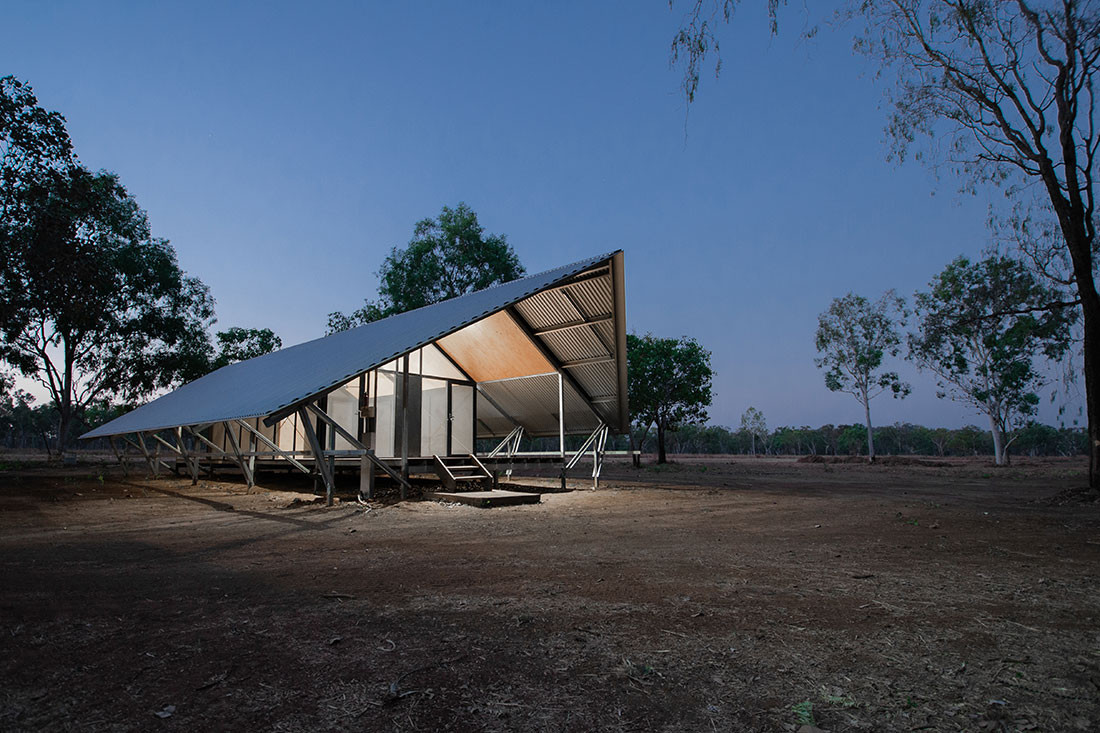 Fish River Ranger Accommodation by Design Construct, School of Art Architecture and Design, University of South Australia. Photo by Joti Weijers-Coghlan.