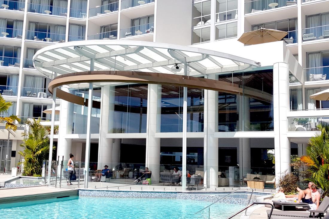 Riley Hotel Cairns staron